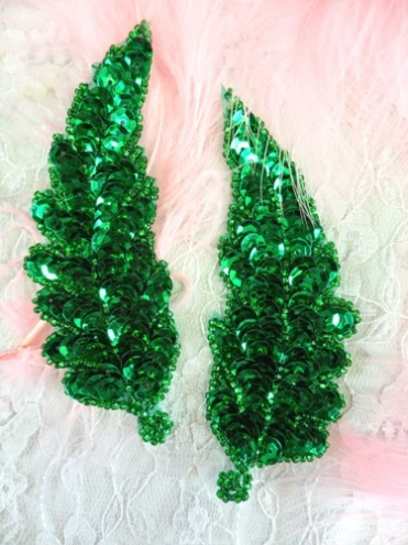 FS760  Kelly Green Leaf Mirror Pair Beaded Sequin Appliques 4\