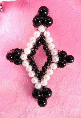 AFSV308 Black White Diamond Beaded Applique 2.25\