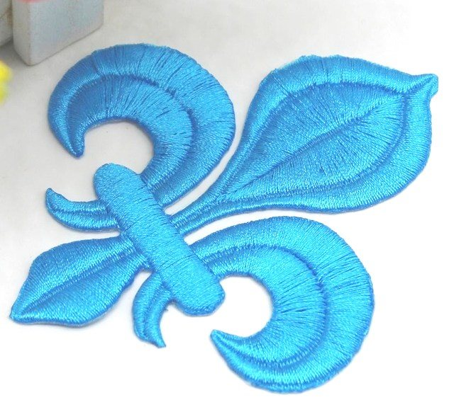 Fleur De Lis Embroidered Applique Turquoise Iron On Clothing Patch 4 GB323