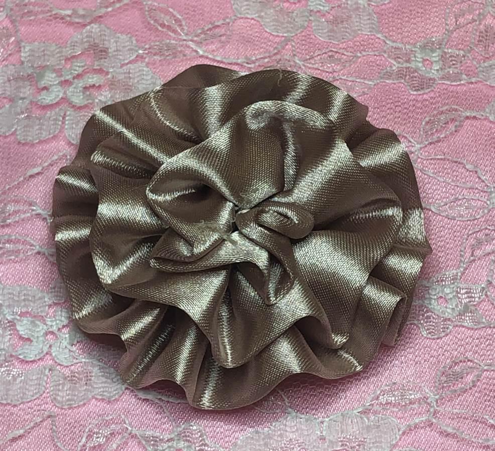 GB4 Fluffy Khaki Satin Floral Bow Applique 2.5