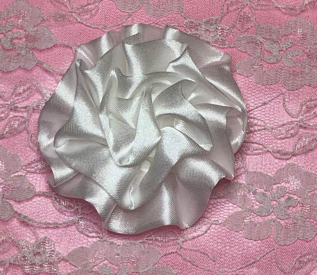 GB4 Fluffy White Satin Floral Bow Applique 2.5