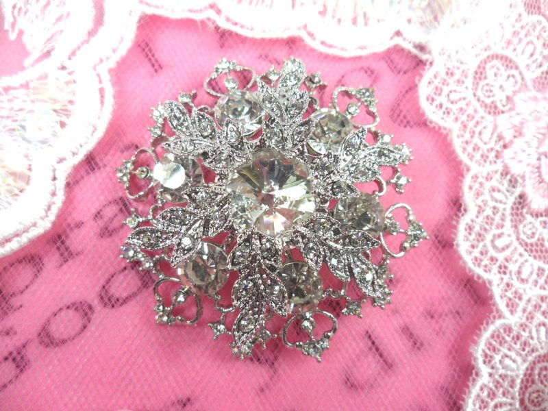 Snowflake Brooch Silver Crystal Rhinestone Glass Pin 2 (GB468-slcr)