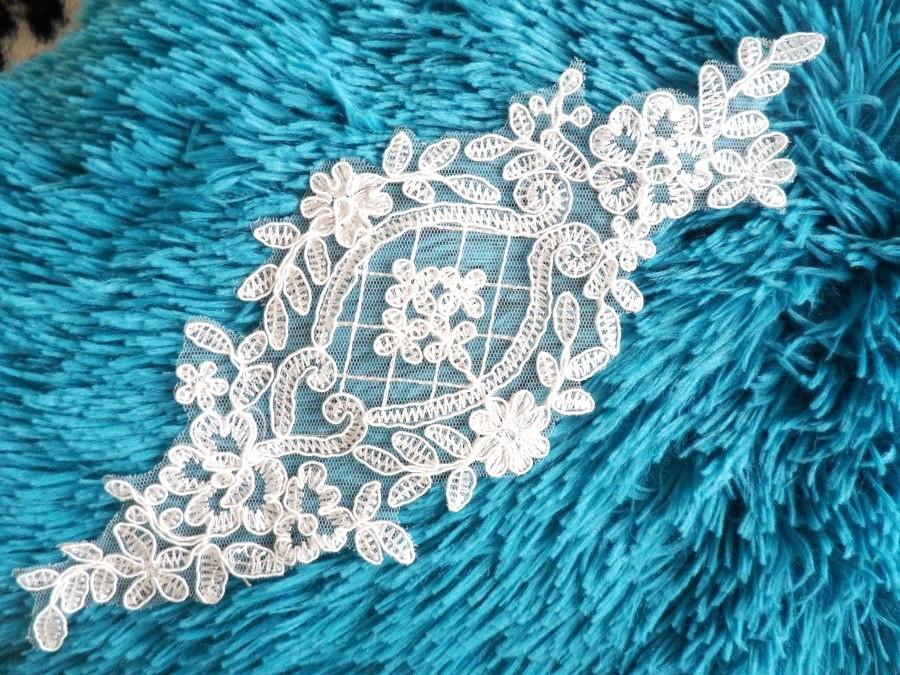 Applique Off White Venice Lace Victorian Bridal Motif 9 (GB474)