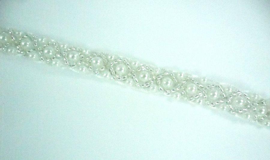 GB991 White Pearl Silver Beaded Trim