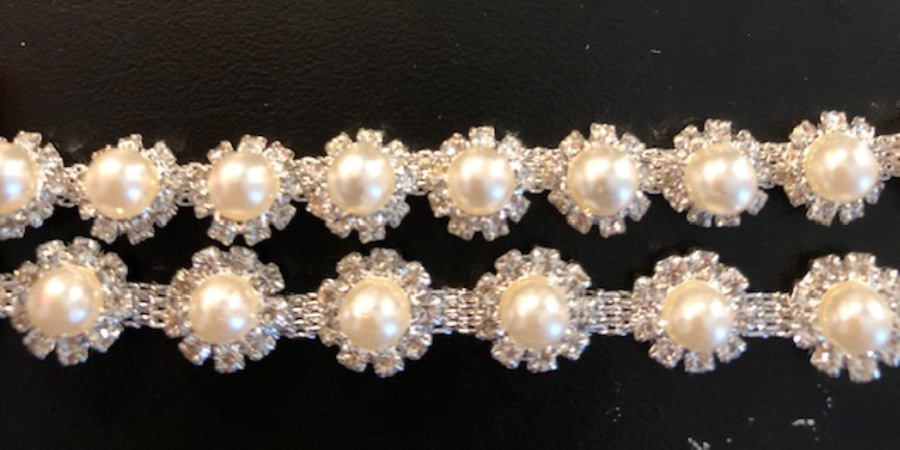 REMNANT Crystal Rhinestone Trim Full Antique White Pearls Flexible Metal Backing Very Unique 1/4 inch  N104-20