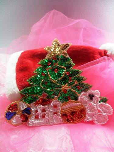 JB251 Christmas Tree Applique Beaded Sequin Patch Teddy Bear with Gifts  6\