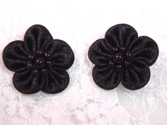 L14 Set of 2 Black Flower Applique