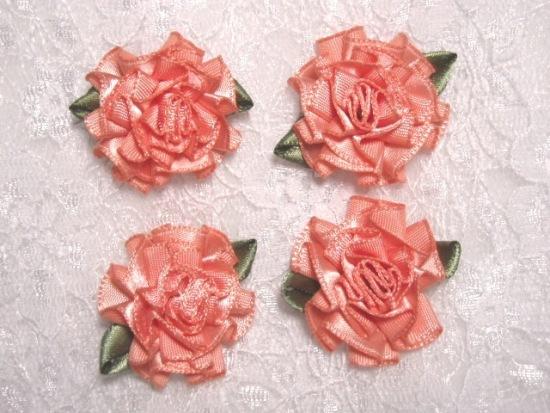 L22  Lot of 4 Peach Floral Rose Flower Appliques 1.5