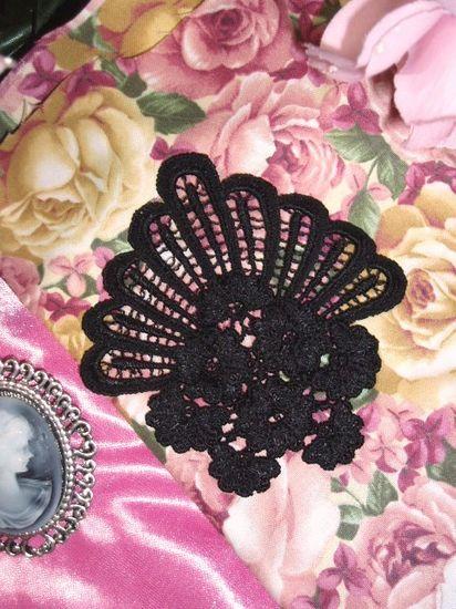 L45 Black Venice Victorian Lace Floral Applique 4