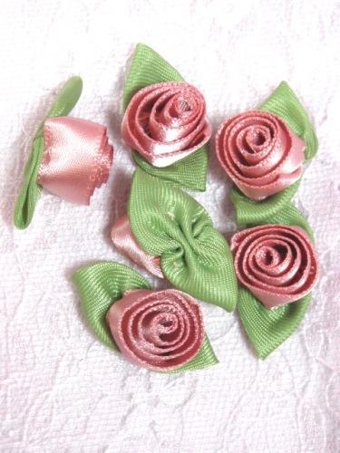 L51  Set of ( 6 ) Rose Ribbon Rose Flower Appliques