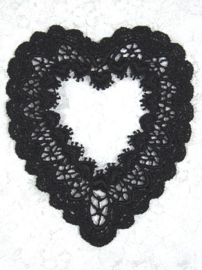 L6 Black Venice Victorian Lace Heart Applique