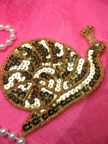LC1762 Self Adhesive Gold Snail Beaded Sequin Applique 4\