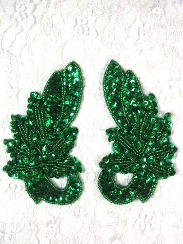 MA118  Kelly Green Sequin Beaded  Mirror Pair Appliques  4.25