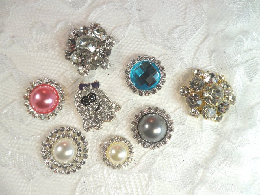 Set of 8 Rhinestone Embellishments (MS166)