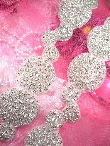 TS129 Floral Circle Silver Beaded Crystal Rhinestone Trim
