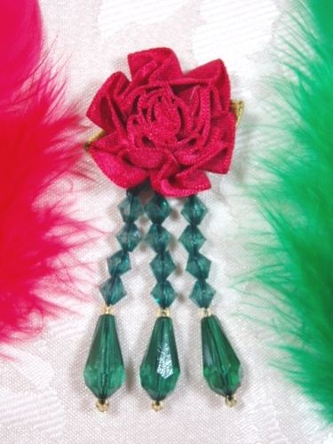VD1  Red Green Floral Dangle Beaded Applique 3