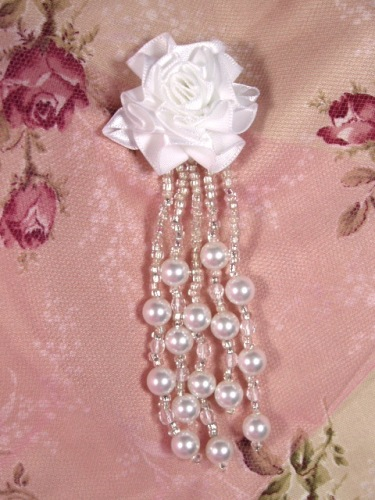 VD26  Floral White Pearl Dangle Beaded Applique 4.5