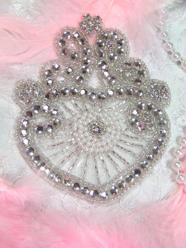 X18  Royal Heart Pearl Beaded Rhinestone Applique 4.25\