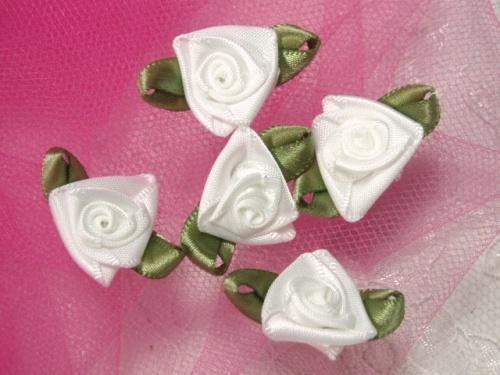 L27 Set of 5 White Green Ribbon Rose Appliques