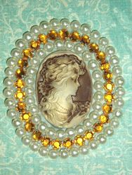 0283  Ivory  Beige Gold Rhinestone Victorian Cameo Beaded Applique 2.5""