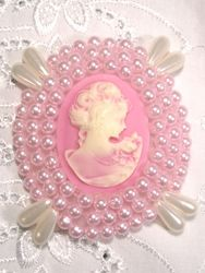 0387 Pink Victorian Cameo Beaded Applique 2.75""