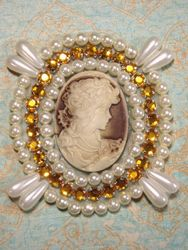 0388  Ivory  Beige Victorian Cameo Gold Rhinestone Beaded Applique 2.75""