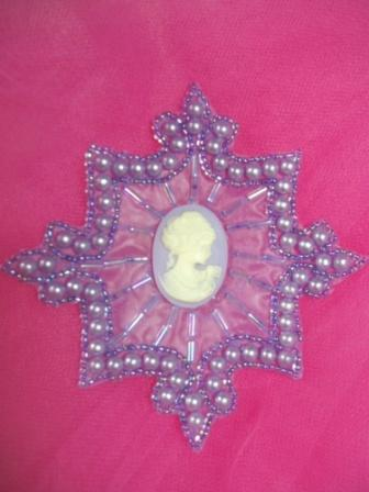 0394  Lavender Pearl Cameo Beaded Applique 4""