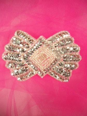 """0431  Silver Bow Diamond Center Beaded Sequin Applique 3.5"""""""