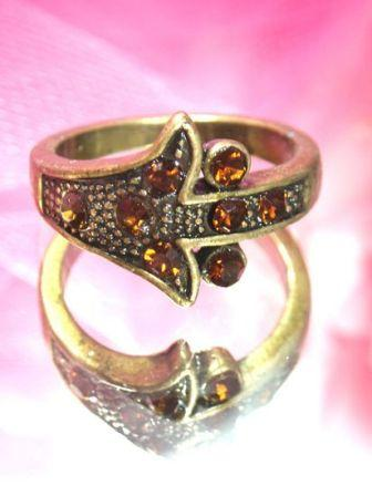 616  Orange Antique Gold Vintage Rhinestone Ring sz 9