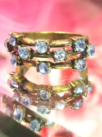 623  Light Blue Antique Gold Vintage Rhinestone Ring sz. 8