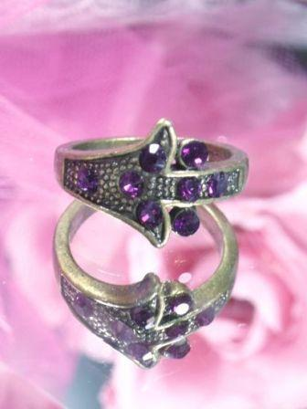 636  Purple Rhinestone Antique Gold Vintage Ring sz. 8.75