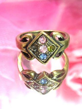 640  MultiColor Rhinestone Antique Gold Vintage Ring sz. 8.75