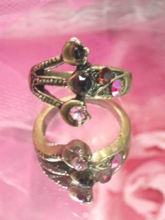 648  Multicolor Antique Gold Vintage Rhinestone Ring sz. 7.75