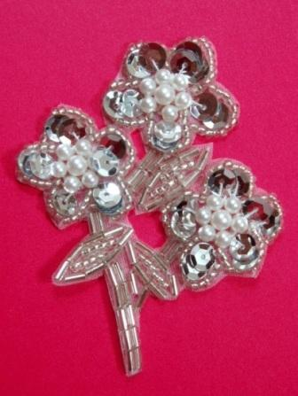"""K8262  Silver Flower Pearl Cluster Sequin Beaded Applique 3.5"""""""