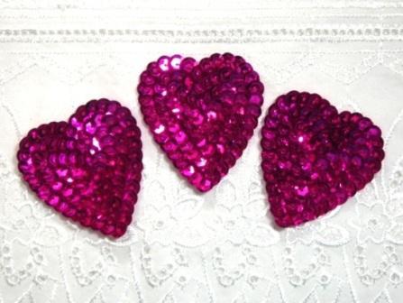 """K8395A  Set of 3 Fuchsia Heart  Sequin Appliques 2"""""""