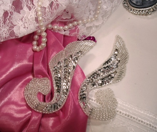 0123 Silver Swirl Mirror Pair Sequin Beaded Appliques
