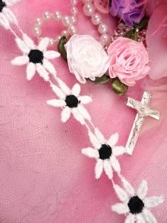"C100 White Black Daisy Sewing Trim 1"""