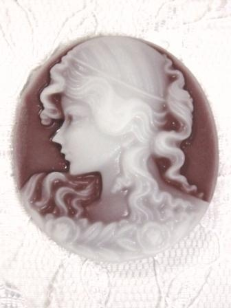 CB22  Brown Victorian Cameo Bead 1.5""