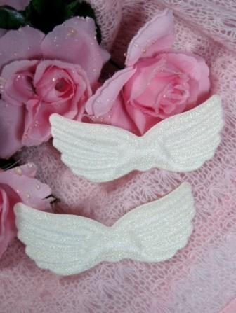 D7  Set of 2 Antique White Angel Wings 4""
