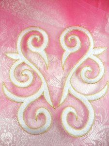 GB164 Embroidered Appliques White Gold Scroll Mirror Pair Iron On Patch 7""