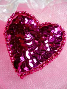 FS510 Fuschia Valentine Heart Sequin Beaded Applique 1.5""