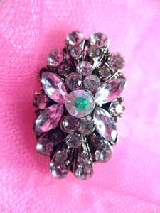 GB256 Crystal Rhinestone Brooch Pin Gold 1""