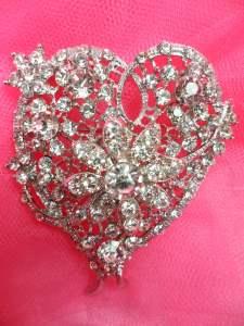 "GB260 Crystal Rhinestone Heart Brooch Pin Gold 2"""