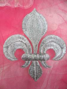 GB323 Fleur De Lis Applique Silver Metallic Iron On Patch 4""