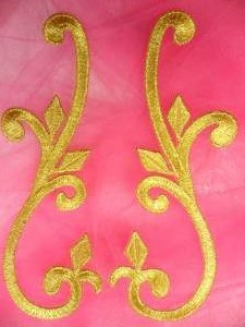GB364 Gold Embroidered Mirror Pair Appliques 6""