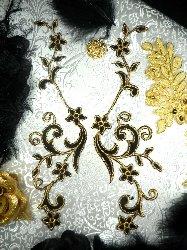 """GB90 MIRROR PAIR Black Gold Metallic Flower Vine Iron On Designer Embroidered Applique 9"""""""