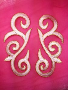 GB164 Embroidered Applique Pink Gold Scroll Mirror Pair Iron On Patch 7""