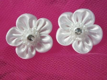L15 Set of 2 White Rhinestone Flower Applique