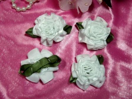 L22  Lot of 4 White Floral Rose Flower Appliques 1.5""