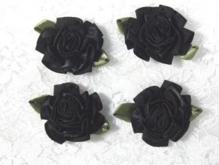L22  Lot of 4 Black w/ green Floral Rose Flower Appliques 1.5""